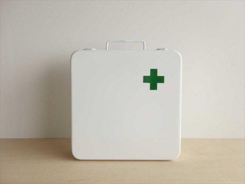 室内で:救急箱