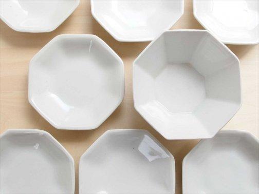 飲食に:八角の皿と鉢