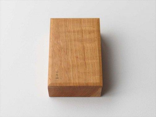 飲食に:木のバターケース