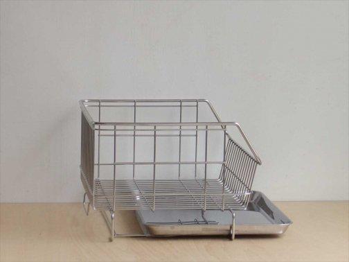 台所で:小さめ水切りカゴ