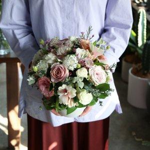 【5/1(土)~3(月)着】Mother's Day 2021 Arrangement -SWEET-