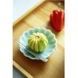 【伊万里焼】青磁 菊型豆皿
