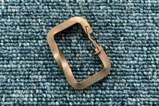オリジナルカラビナ 5mm角線ねじり 真鍮無垢