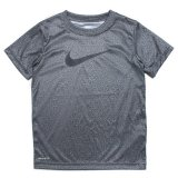 <img class='new_mark_img1' src='//img.shop-pro.jp/img/new/icons20.gif' style='border:none;display:inline;margin:0px;padding:0px;width:auto;' />40%OFF【NIKE】 DRI-FIT スウッシュ グラフィック半袖Tシャツ (96-122cm) HDGY