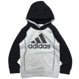 <img class='new_mark_img1' src='https://img.shop-pro.jp/img/new/icons21.gif' style='border:none;display:inline;margin:0px;padding:0px;width:auto;' />30%OFF【adidas】パフォーマンスロゴ ラグランパーカー (85-110cm) GY