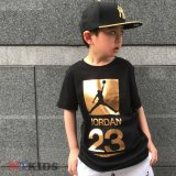 【JORDAN】 ゴールドプリントTシャツ (128-170cm) BK/GD
