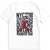 <img class='new_mark_img1' src='https://img.shop-pro.jp/img/new/icons5.gif' style='border:none;display:inline;margin:0px;padding:0px;width:auto;' />【JORDAN】NYC 5BORO Tシャツ (128-170cm) WH