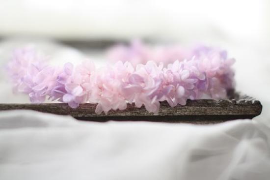 花冠/ピンク&パープルのマーブル/プリザーブドフラワー/アジサイ/白いリボン/ウェディング