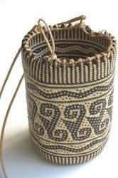 カリマンタン島ダヤック 籐製物入れ