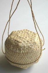 サヴ島 ロンタル椰子葉カゴ
