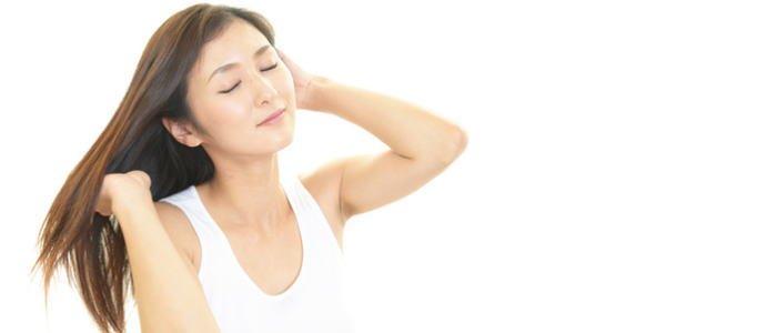 パサつく髪をサラサラにヘアケアする方法