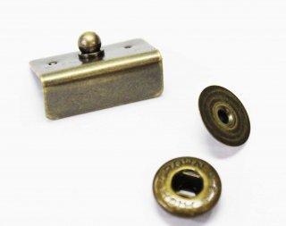 M182<br />飾ホック 角 アンティークゴールド