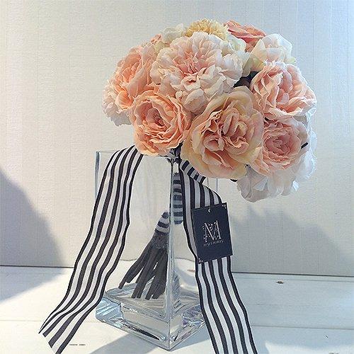 ピーチオレンジのバラのクラッチブーケ