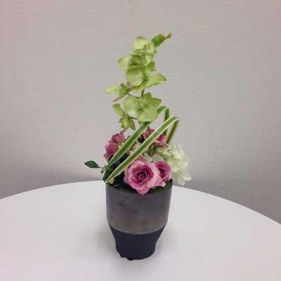 可憐なピンクと胡蝶蘭のアートフラワー(造花)