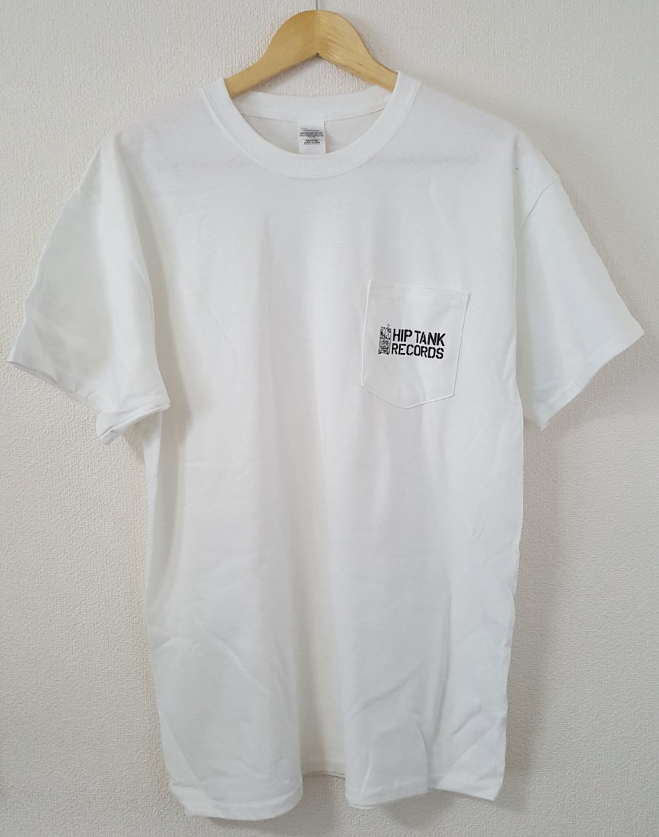 <img class='new_mark_img1' src='//img.shop-pro.jp/img/new/icons15.gif' style='border:none;display:inline;margin:0px;padding:0px;width:auto;' />HIP TANK RECORDS ORIGINAL POCKET T-SHIRTS (WHITE)