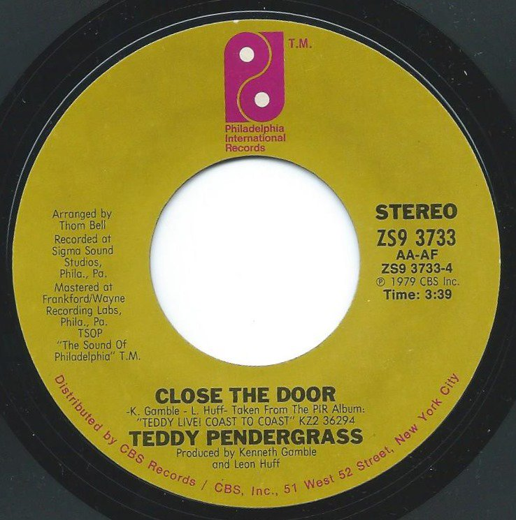 TEDDY PENDERGRASS / CLOSE THE DOOR - LIVE / SHOUT AND SCREAM (7