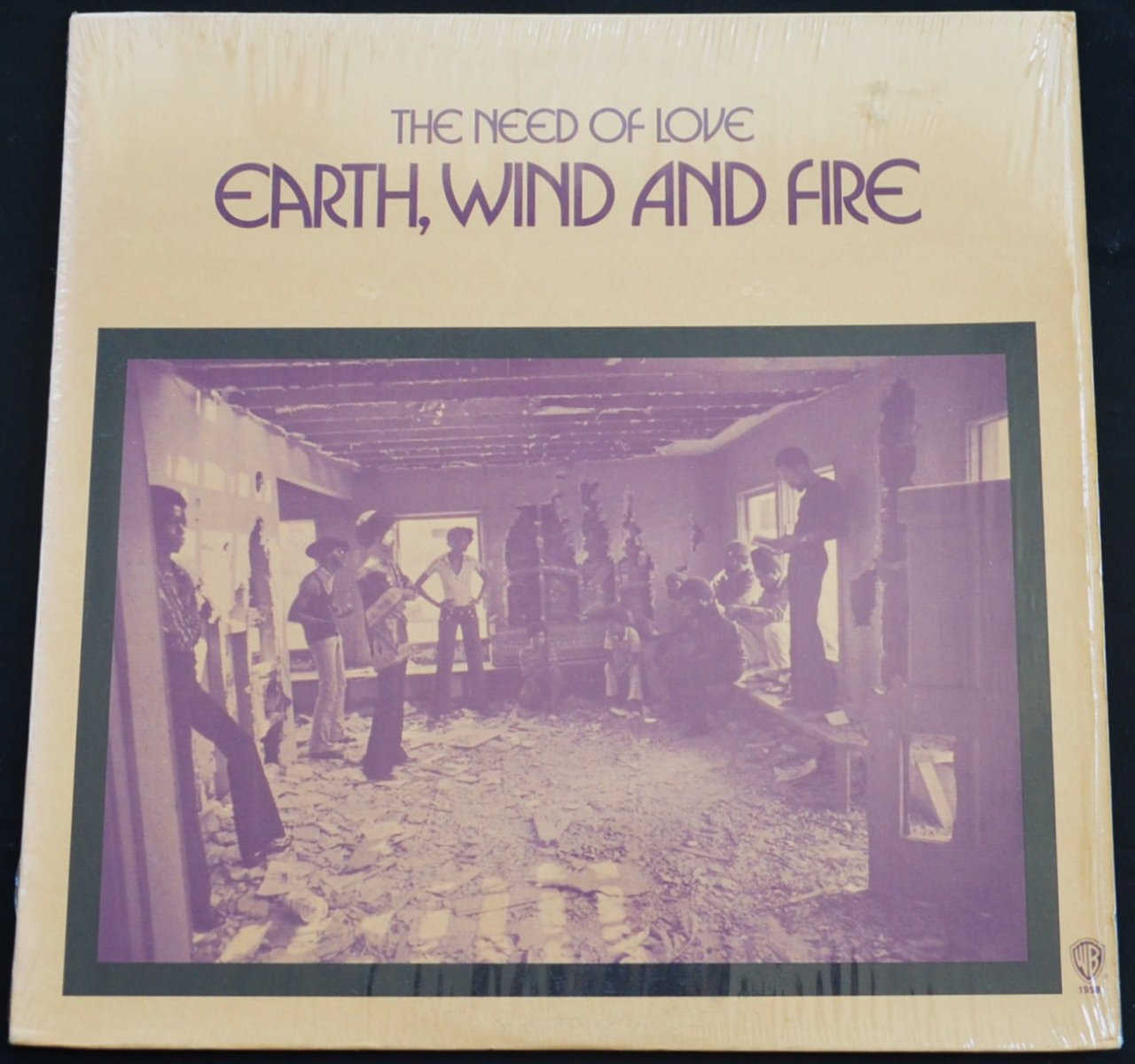 EARTH, WIND AND FIRE / THE NEED OF LOVE (LP)