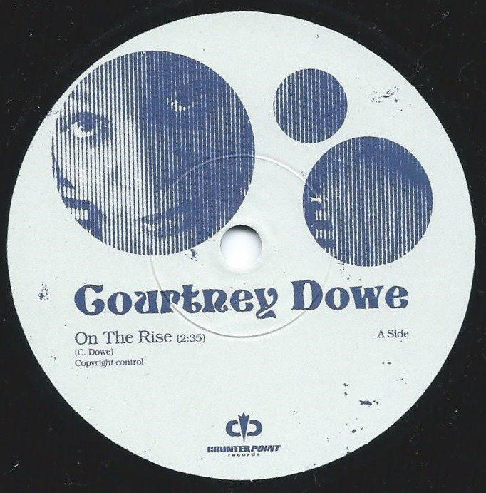 COURTNEY DOWE / ON THE RISE / DANCER BLUE (7