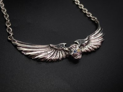 the united jewelry/flying skull necklace/silver