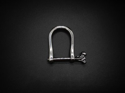silly essence/bone screw key shackle/silver