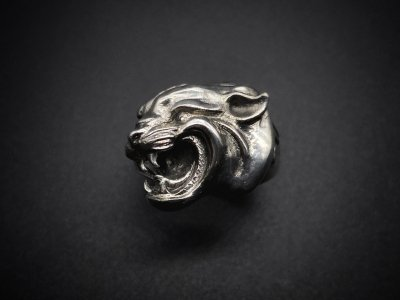 <img class='new_mark_img1' src='https://img.shop-pro.jp/img/new/icons2.gif' style='border:none;display:inline;margin:0px;padding:0px;width:auto;' />silly essence/panther ring/silver