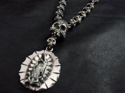 silly essence/guadalupe maria necklace/silver