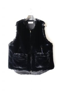 CULLNI(19AW)/クルニ/Faux Fur Vest<img class='new_mark_img2' src='https://img.shop-pro.jp/img/new/icons15.gif' style='border:none;display:inline;margin:0px;padding:0px;width:auto;' />