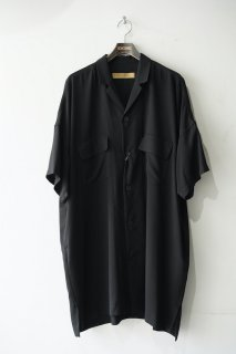 Over Sized Open Collar Shirt<img class='new_mark_img2' src='https://img.shop-pro.jp/img/new/icons14.gif' style='border:none;display:inline;margin:0px;padding:0px;width:auto;' />