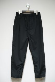 TAPERED CROPPED PANTS<img class='new_mark_img2' src='https://img.shop-pro.jp/img/new/icons14.gif' style='border:none;display:inline;margin:0px;padding:0px;width:auto;' />