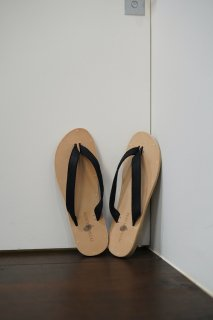 b-sandals - horse reverse<img class='new_mark_img2' src='https://img.shop-pro.jp/img/new/icons14.gif' style='border:none;display:inline;margin:0px;padding:0px;width:auto;' />