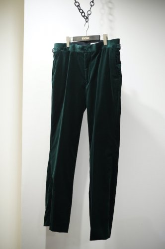 Velvet pants<img class='new_mark_img2' src='https://img.shop-pro.jp/img/new/icons14.gif' style='border:none;display:inline;margin:0px;padding:0px;width:auto;' />