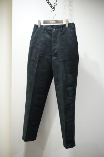 Fake suede pants<img class='new_mark_img2' src='https://img.shop-pro.jp/img/new/icons14.gif' style='border:none;display:inline;margin:0px;padding:0px;width:auto;' />