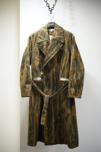 FUR PRINT GOWN COAT<img class='new_mark_img2' src='https://img.shop-pro.jp/img/new/icons14.gif' style='border:none;display:inline;margin:0px;padding:0px;width:auto;' />