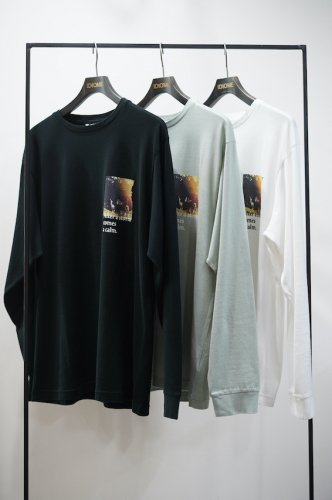 Crew Neck Long Sleeve T-Shirt 「Calm」<img class='new_mark_img2' src='https://img.shop-pro.jp/img/new/icons14.gif' style='border:none;display:inline;margin:0px;padding:0px;width:auto;' />