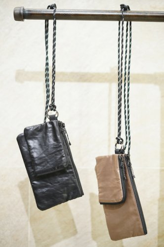 Shoulder Pouch<img class='new_mark_img2' src='https://img.shop-pro.jp/img/new/icons14.gif' style='border:none;display:inline;margin:0px;padding:0px;width:auto;' />