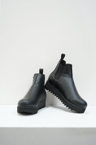 SIDE GORE RAIN BOOTS<img class='new_mark_img2' src='https://img.shop-pro.jp/img/new/icons14.gif' style='border:none;display:inline;margin:0px;padding:0px;width:auto;' />