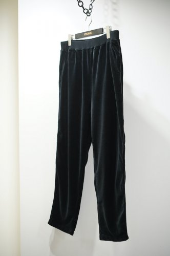Track Trousers<img class='new_mark_img2' src='https://img.shop-pro.jp/img/new/icons14.gif' style='border:none;display:inline;margin:0px;padding:0px;width:auto;' />