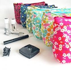 Cosmetic Bag  [約 横21cmxたて14cm]