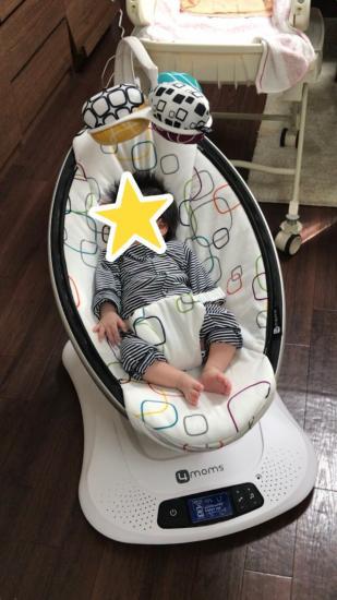 ママルーに乗った赤ちゃん