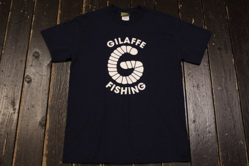 <img class='new_mark_img1' src='https://img.shop-pro.jp/img/new/icons14.gif' style='border:none;display:inline;margin:0px;padding:0px;width:auto;' />GILAFFE FISHING-T NAVY