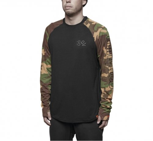 <img class='new_mark_img1' src='https://img.shop-pro.jp/img/new/icons14.gif' style='border:none;display:inline;margin:0px;padding:0px;width:auto;' />thirtytwo L/S RIDELITE TEE CAMO