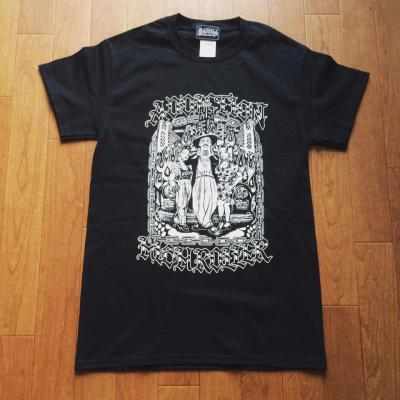 <img class='new_mark_img1' src='//img.shop-pro.jp/img/new/icons14.gif' style='border:none;display:inline;margin:0px;padding:0px;width:auto;' />Addiction Kustom The Life HlGH ROLLER Tee BK
