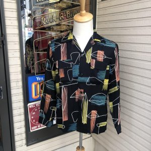 <img class='new_mark_img1' src='https://img.shop-pro.jp/img/new/icons14.gif' style='border:none;display:inline;margin:0px;padding:0px;width:auto;' />THE GROOVIN' HIGH Black Addiction Store 限定ダブルネーム 希少限定シリーズ入荷!!
