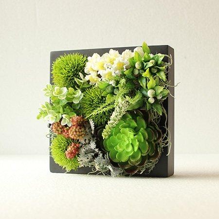 多肉植物と小花のアレンジメント◇ボッ...