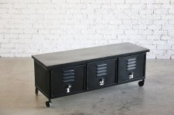 <img class='new_mark_img1' src='https://img.shop-pro.jp/img/new/icons47.gif' style='border:none;display:inline;margin:0px;padding:0px;width:auto;' />IRON 3 DRAWER CHEST