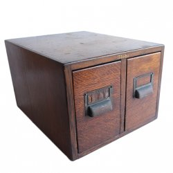<img class='new_mark_img1' src='https://img.shop-pro.jp/img/new/icons14.gif' style='border:none;display:inline;margin:0px;padding:0px;width:auto;' />2 DRAWER OAK CARD CATALOG CABINET JAPANNED