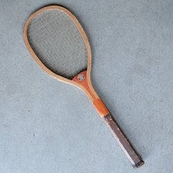 <img class='new_mark_img1' src='https://img.shop-pro.jp/img/new/icons47.gif' style='border:none;display:inline;margin:0px;padding:0px;width:auto;' />VINTAGE TENNIS RACKET