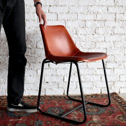 <img class='new_mark_img1' src='https://img.shop-pro.jp/img/new/icons6.gif' style='border:none;display:inline;margin:0px;padding:0px;width:auto;' />LEATHER DINING CHAIR