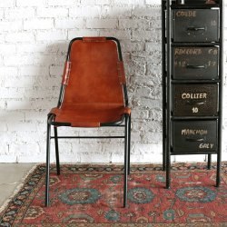 <img class='new_mark_img1' src='https://img.shop-pro.jp/img/new/icons57.gif' style='border:none;display:inline;margin:0px;padding:0px;width:auto;' />LEATHER CHAIR BLACK/CAMEL