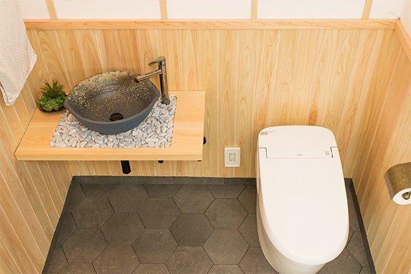 自然素材の本格和風 トイレブース
